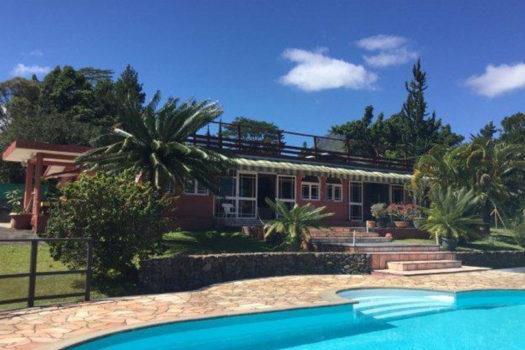 villa mahina a piscine